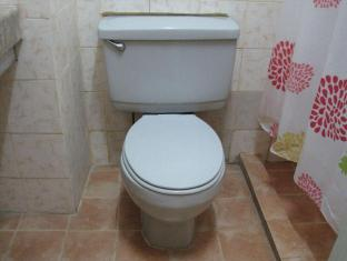 Skyrise Hotel Baguio - Hotel Guest Room Bathroom