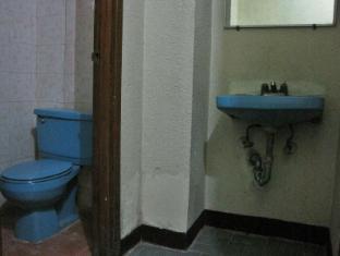 Skyrise Hotel Baguio - Apartelle Unit Bathroom