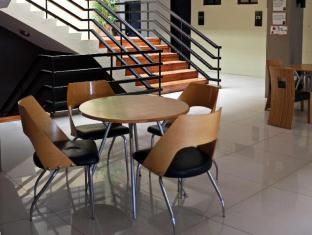North Zen Hotel Davao - Hotellet indefra