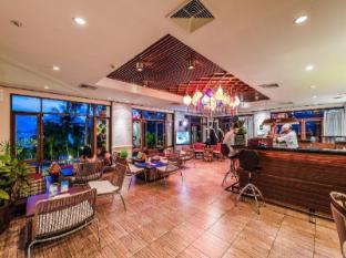 Panwa Beach Resort Phuket Phuket - Food and Beverages