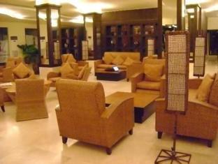 Pamulinawen Hotel Laoag gebied - Lobby