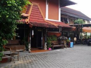 Ananda Hotel
