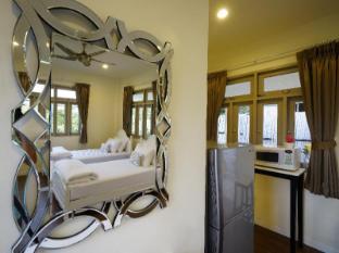 Perennial Resort Phuket - Twin bed Villa