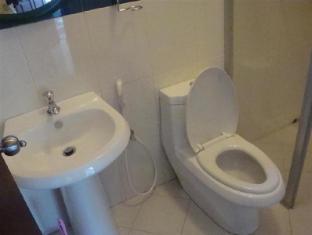 Days Inn-Kandy Kandy - Bathroom