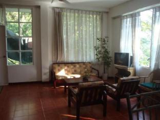 Days Inn-Kandy Kandy - Sitting Area