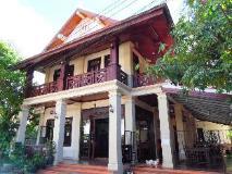 Vongprachan Guest House: exterior