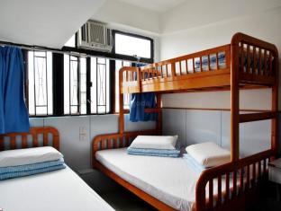 Ah Shan Hostel Hong Kong - Family Room (5 Adults)