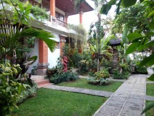 Ananda Beach Hotel Bali - Dārzs