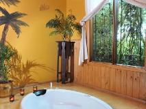 Gembrook Cottages: bathroom