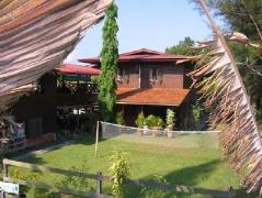 Treetops Jungle Lodge | Malaysia Hotel Discount Rates