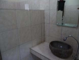 Anugerah Villas Amed Balis - Vonios kambarys