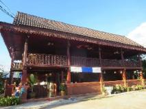 Indavong Guest House: exterior