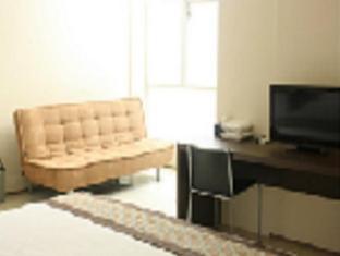 Feliz Guest House Surabaya - Interior