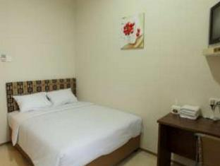Feliz Guest House Surabaya - Guest Room