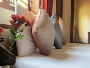 Kambuja Inn Phnom Penh - Double Room (With small Balcony)