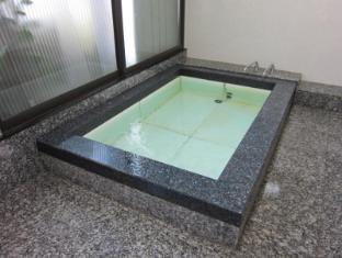 Ryokan Matsukaze Matsumoto - Bathroom