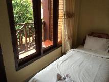 Sisavang Guest House: guest room