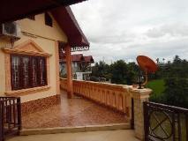 Bua Khao Guest House: balcony/terrace