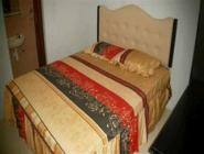 Standardne kahene kahekohalise voodiga