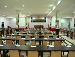 Griyo Avi Hotel Surabaya - Meeting Room