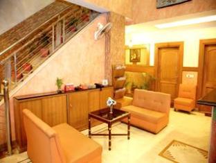 Diamond Plaza Hotel Chandigarh - Lobby