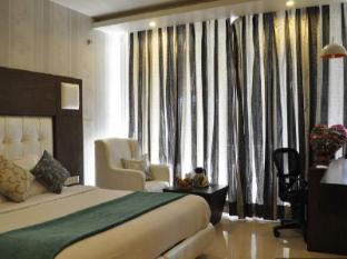 Diamond Plaza Hotel Chandigarh - Regal Room
