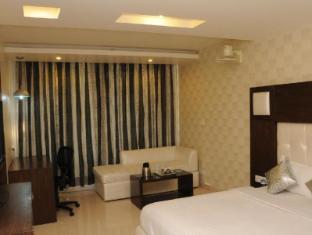 Diamond Plaza Hotel Chandigarh - Guest Room