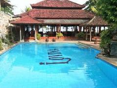 Lovina Beach Hotel | Indonesia Hotel