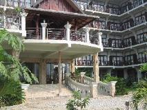 Silver Naga Hotel: entrance