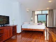 Silver Naga Hotel: guest room