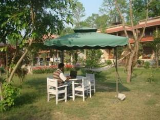 River Bank Inn Chitwan - परिवेश