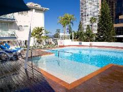 Raffles Royale Hotel | Cheap Hotels in Gold Coast Australia