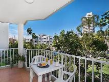 Bayview Bay Apartments: balcony/terrace