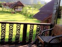 Cliff View Bungalows: balcony/terrace