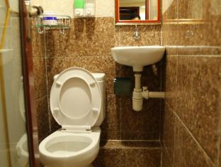 Australian Guest House Hong Kong - Bathroom