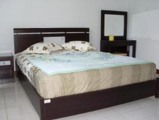 Wisma Mutiara Hotel Padang - Guest Room
