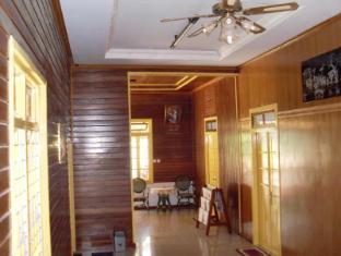 Wisma Mutiara Hotel Padang - Lobby