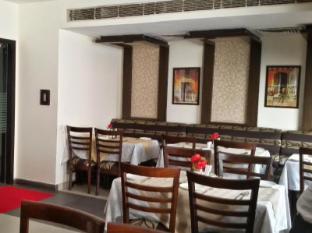 Karon Hotel - Lajpat Nagar New Delhi and NCR - Coffee Shop/Cafe