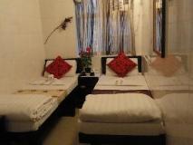 Paris Guest House: guest room