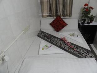 Paris Guest House Hong Kong - Double Bed Standard