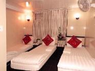Háromágyas szoba 1 kétszemélyes ággyal és 1 egyszemélyes ággyal