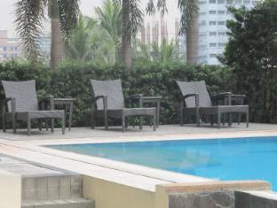 La Breza Hotel Manila - Swimming Pool