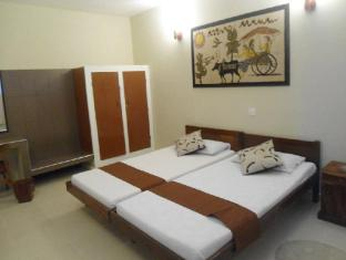 Ranveli Beach Resort Colombo - Non AC Double
