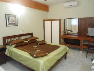 Ranveli Beach Resort Colombo - AC Double room