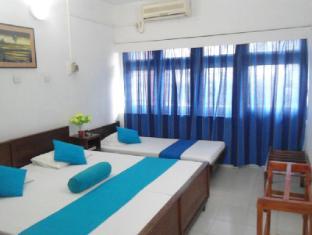 Ranveli Beach Resort Colombo - AC Triple room