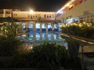 Ranveli Beach Resort Colombo - Guest Room