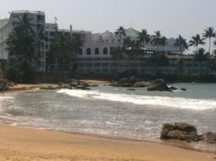 Ranveli Beach Resort Colombo - Beach