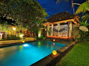 The Zala Villa Bali Bali - Relaxing next to the Pool