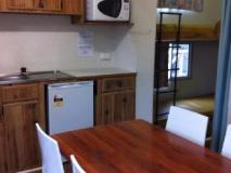Mallacoota's Shady Gully Caravan Park: kitchen