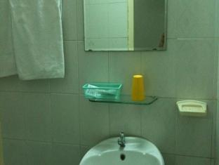 Toan Cau Hotel Ho Chi Minh City - Bathroom